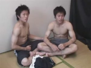 【ゲイ動画ビデオ】実の弟のアナルに生挿入して中出しする兄…双子の兄弟とゴーグルマンの濃厚な乱交3Pセックス!