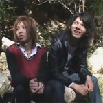 【ゲイ動画】楽しいはずのピクニックデートが一変…オラオラ系のNTRレイパー集団に襲われてレイプされるカップル!