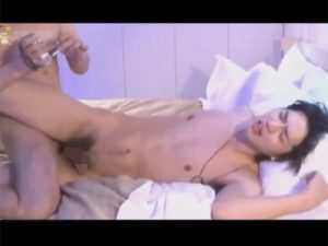 【ゲイ動画ビデオ】ジャニ系イケメンがゴーグルマンと濃厚生姦…生チンポで直腸をかき回され中出しにて種付けされてしまう!
