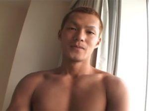 【ゲイ動画】ヤンチャ顔のふんどしガテン系兄貴が仮面男にバイブで肛門を解されてからケツ穴にチンポをハメられAF!