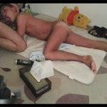 【ツイッターゲイ動画】寝バックでハメられてさっきまで自分のケツマンに入っていた生チンポをしゃぶらされる肉便器!
