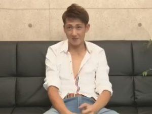 【ゲイ動画】素人のマッチョなイケメン君がプロに体をいじられて昇天をすることになってしまう!