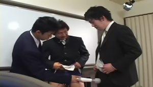 男子校生と先生_電マ_アナルセックス_ゲイ画像2