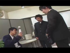 【ゲイ動画ビデオ】先生が忘れたカバンを漁っていた男子校生!先生に見せるように電マで遊んでいたら同性ケツマン交尾にハッテンすることに!