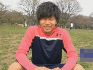 【ゲイ動画】19歳の可愛らしいサッカーボーイを公園の多目的トイレに連れ込んでフェラと寸止め手コキで焦らしてからイカせる!