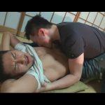【ゲイ動画】和室の中でイカニモ系がアナルセックスで声をあげながら犯され続けることになってしまう!