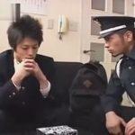 【ゲイ動画】万引きをしていたDKが警備員に見つかって脅されながら尻穴の開発をされてしまう!