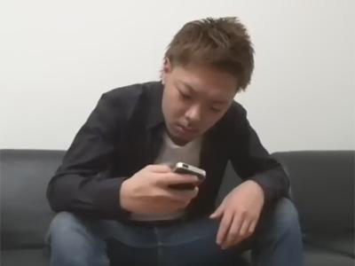 【ゲイ動画】掲示板で知り合ったウケからヤリたいとメールが…!家に行って即ハメするエグザイル系のオラメン!
