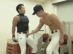 【ゲイ動画ビデオ】マッチョな野球部の男2人が倉庫として使っている教室でアナルセックスを楽しんでしまう!