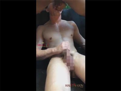 【ツイッターゲイ動画】お尻や腰や胸に精子をかけられて喜び顔射&口内射精されながらオナってイク素人!