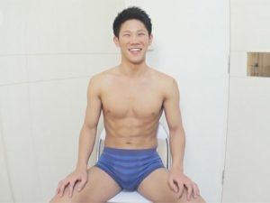 【ゲイ動画ビデオ】21歳の野球で鍛えたバキバキの体の素人がプロに全身を激しくいじられて絶頂をする!