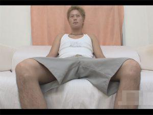 【無修正ゲイ動画】ヤンチャ系のノンケの男がオナニーをしている姿をたっぷりと見せてくれることになる!