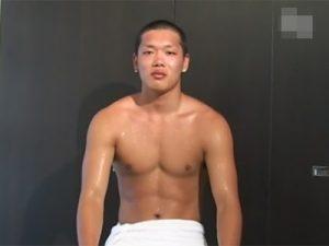 【ゲイ動画ビデオ】体育会系のノンケ素人が超オラオラ系のゴーグルマンにチンポと尻穴を責められてオーガズムを迎えてしまう!