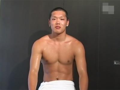 【ゲイ動画】体育会系のノンケ素人が超オラオラ系のゴーグルマンにチンポと尻穴を責められてオーガズムを迎えてしまう!