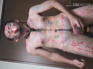 【ツイッターゲイ動画】口にローソクを咥えて自分の勃起したチンポに蝋を垂らして1人SMプレイでヨガるM男!