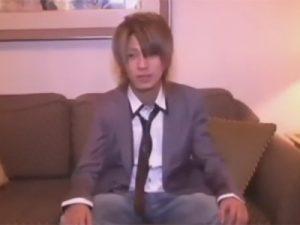 【ゲイ動画】ホストのような風貌の男が浣腸されアナルセックスで犯されて中出しもされることになってしまう!