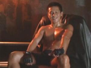 【ゲイ動画ビデオ】ノンケの色黒なマッチョの男が手コキやアナル舐めなどで犯されて絶頂することになる!