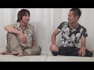 【ゲイ動画】ヤンチャ系な2人の男がじゃれて遊んだ後にアナルセックスで乱れあうことになる!