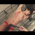 【ゲイ動画】可愛い系のスリムな男が拘束をされながらSMプレイで激しく犯されてアナルセックスで乱れてしまう!