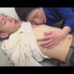 【ゲイ動画】2人のスジ筋の男がイチャイチャしながらアナルセックスを楽しんで性欲を発散しあうことになる!