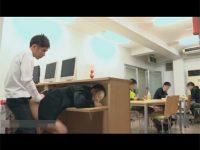 【ゲイ動画】イケメンの図書館職員がトイレで出会った男子校生と図書館内でハッテン!他の来館者の目を盗みつつこっそりハメパコ!?